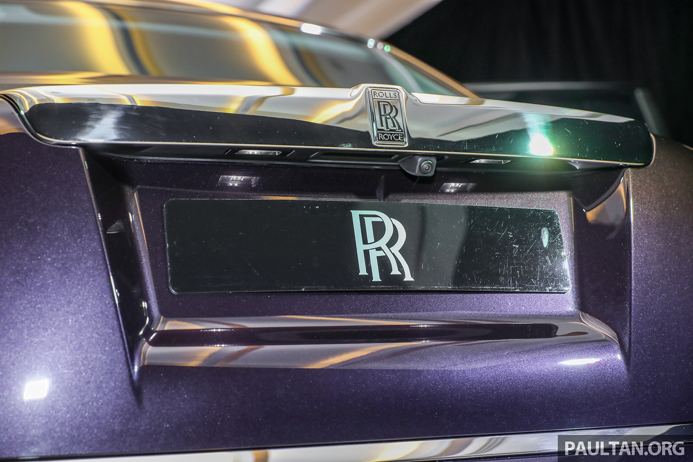 rolls-royce-phantom-2018-15.jpg