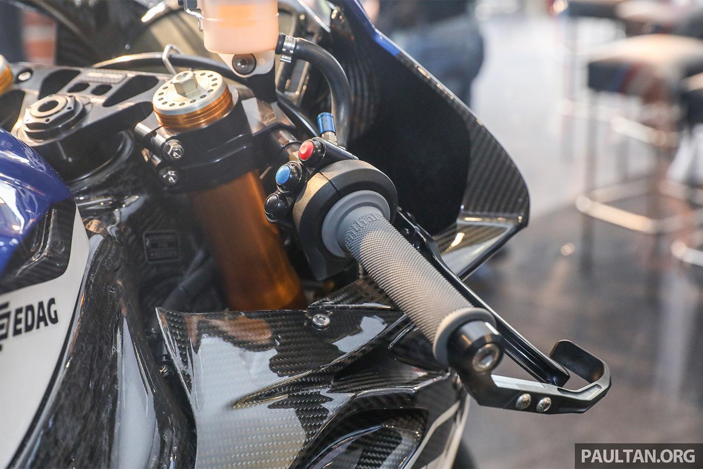 bmw-hp4-race-carbon-19.jpg