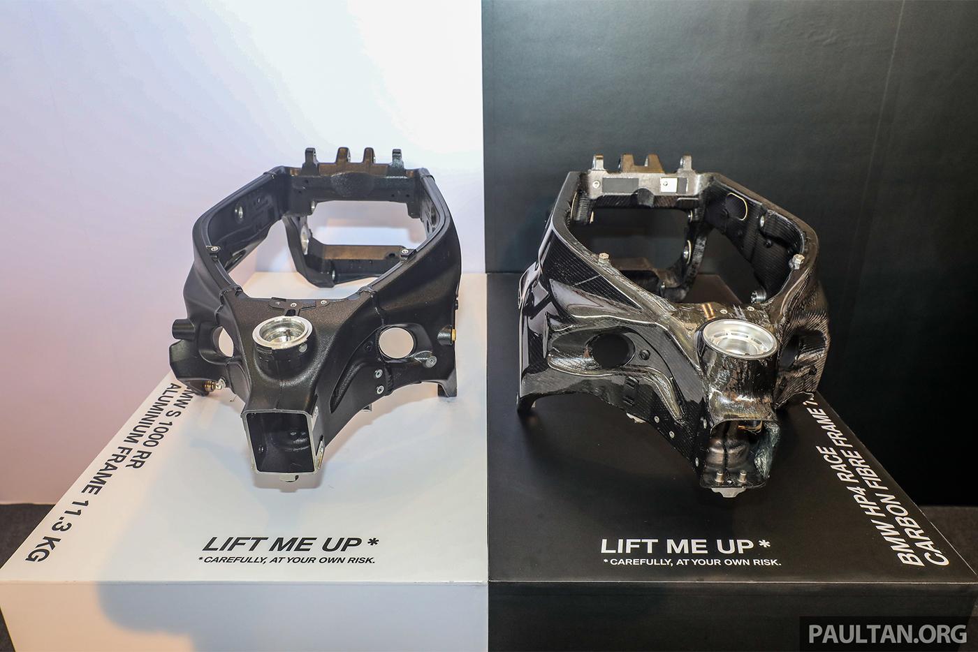 bmw-hp4-race-carbon-22.jpg
