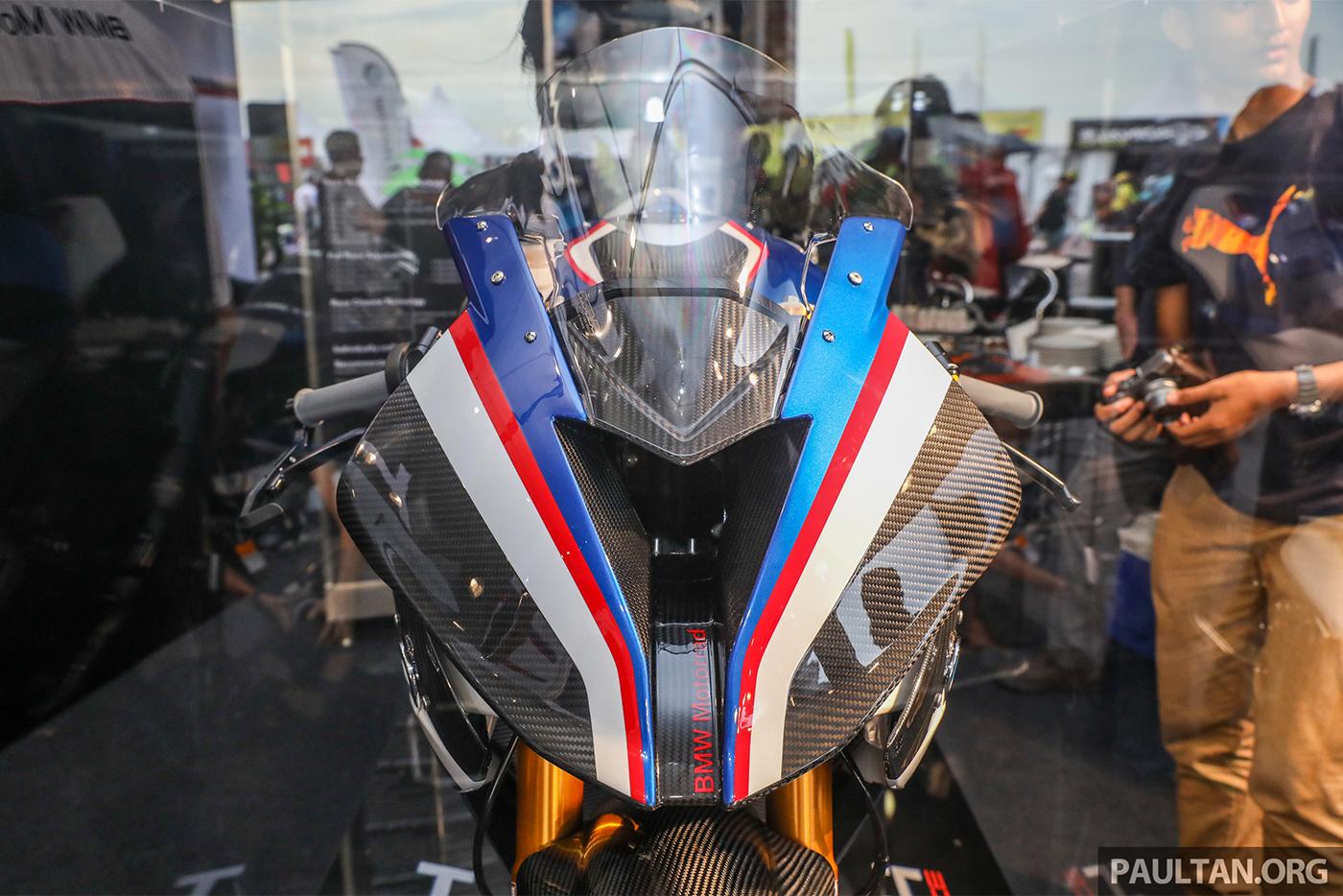bmw-hp4-race-carbon-5.jpg