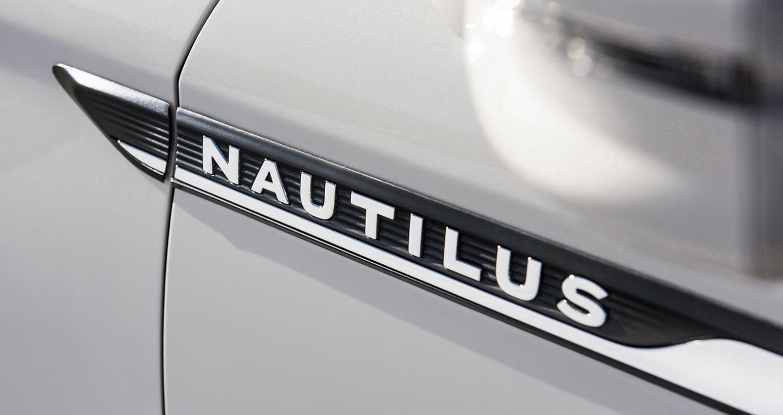 2019-lincoln-nautilus-11.jpg