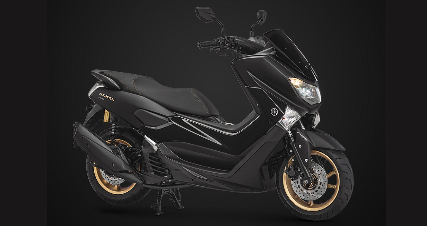 2018-yamaha-nmax-155-black-front-right-quarter.jpg
