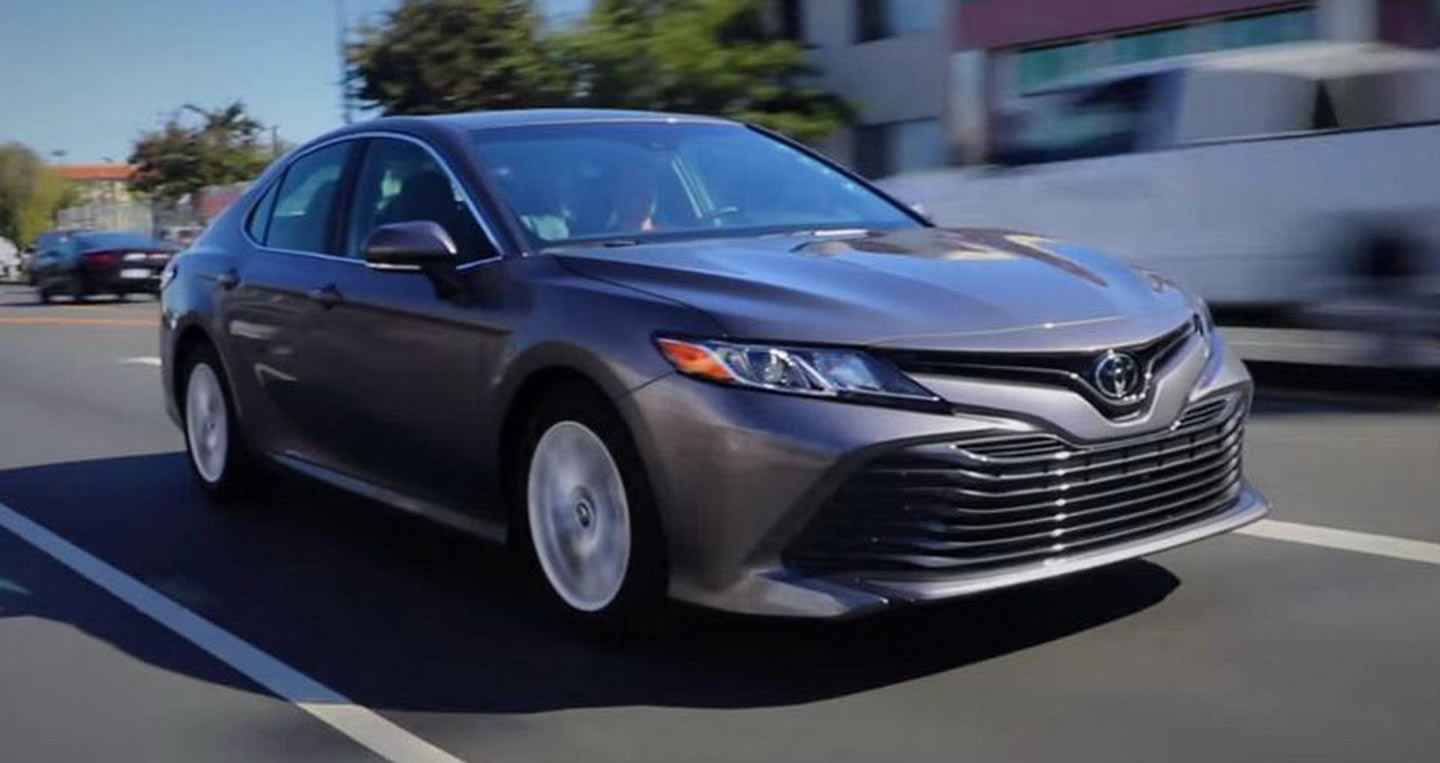 kbb-toyota-camry-2018-review.JPG