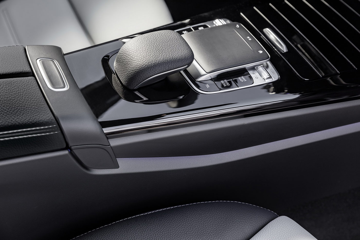 2019-mercedes-benz-a-class-hatch-24.jpg