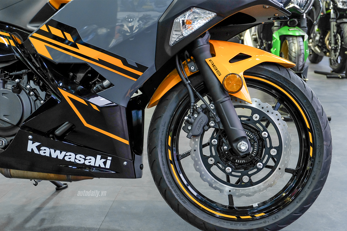 kawasaki-ninja-400-6.jpg