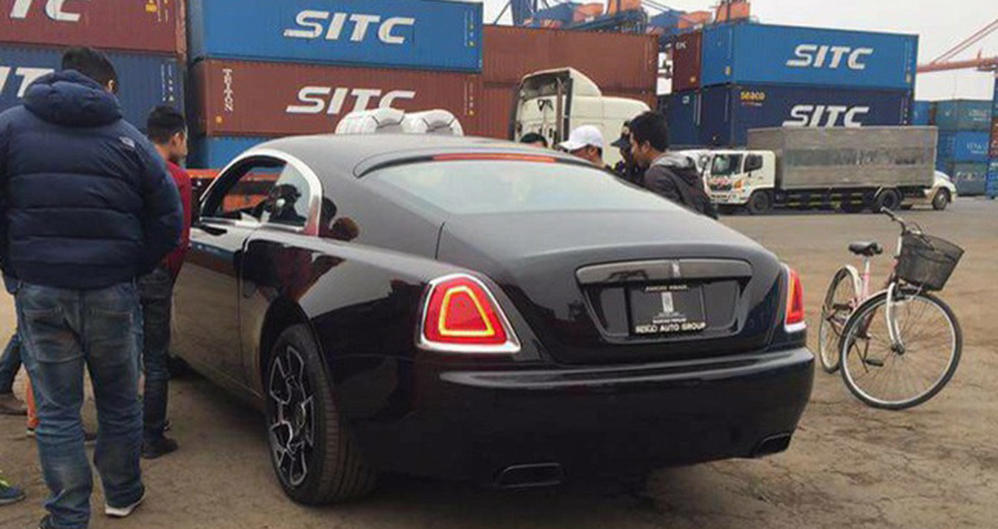 rolls-royce-wraith-black-badge-06.jpg