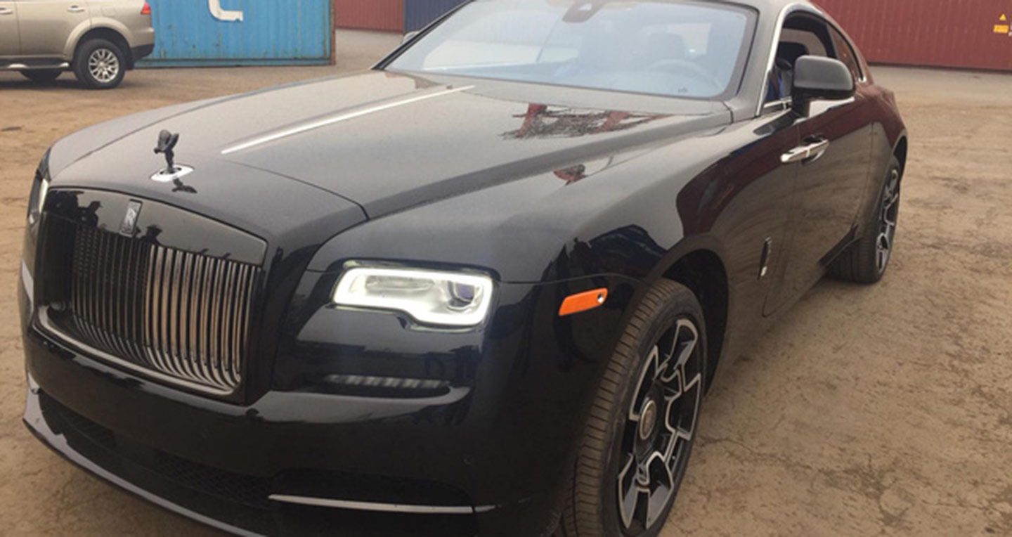 rolls-royce-wraith-black-badge-08.jpg
