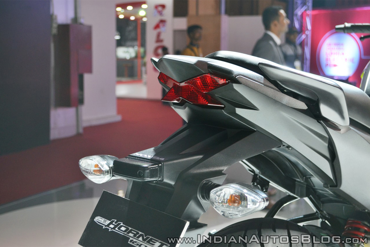 2018-honda-cb-hornet-160r-tail-light-at-2018-auto-expo.jpg