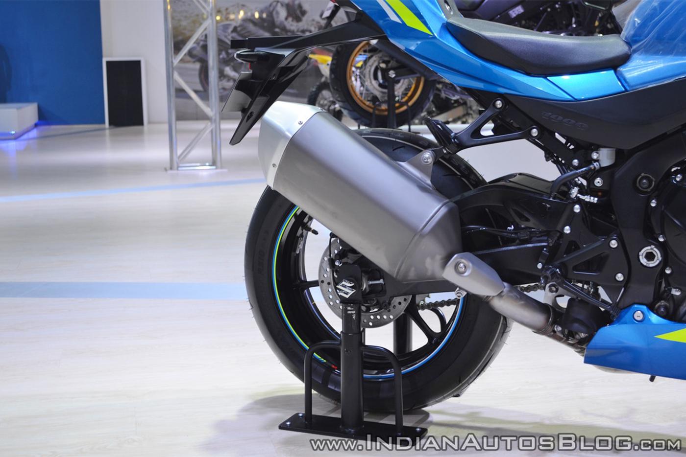 2018-suzuki-gsx-r1000r-blue-exhaust-at-2018-auto-expo.jpg