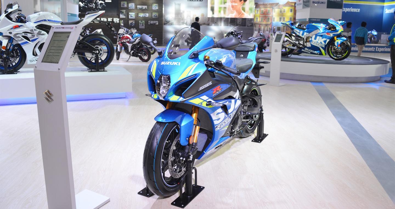 2018-suzuki-gsx-r1000r-blue-front-left-quarter-at-2018-auto-expo.jpg