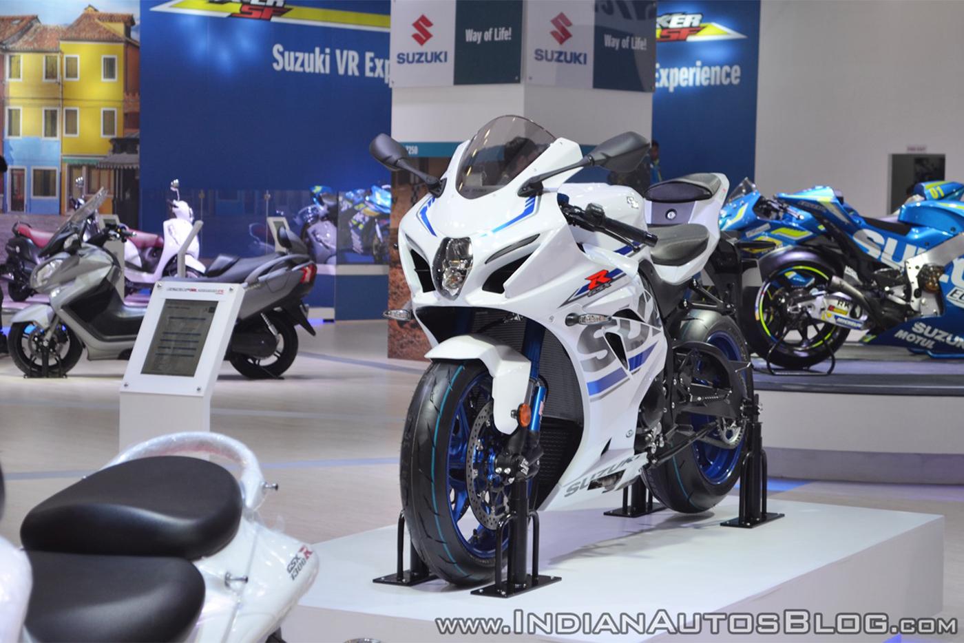 2018-suzuki-gsx-r1000r-white-front-left-quarter-at-2018-auto-expo.jpg