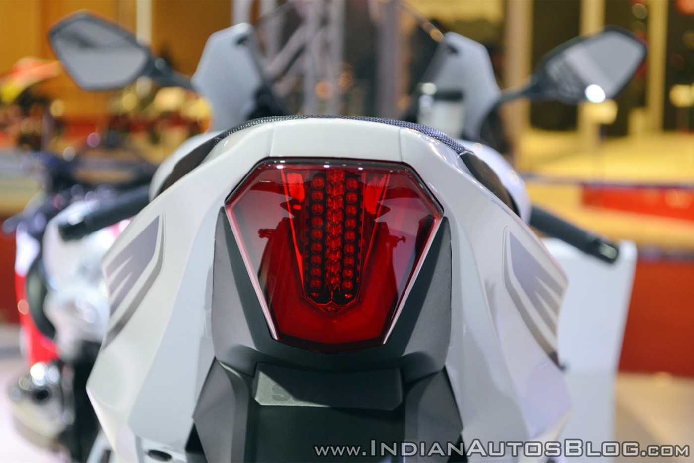 2018-suzuki-gsx-r1000r-white-tail-light-at-2018-auto-expo.jpg