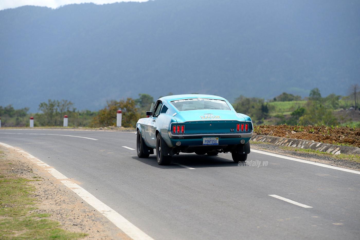 Ford_Mustang_1967.jpg