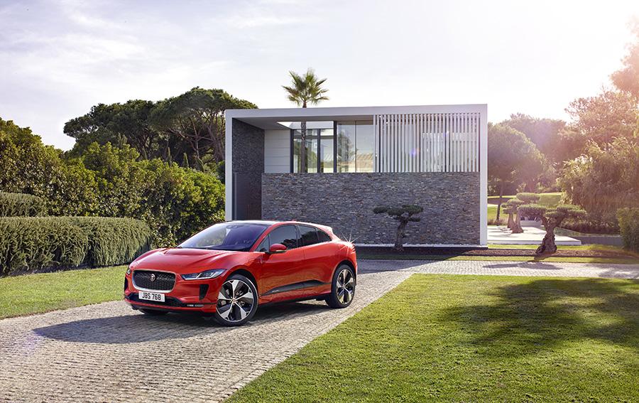 jaguar-tung-mau-xe-dien-dau-tien-autodaily-vn2.jpg