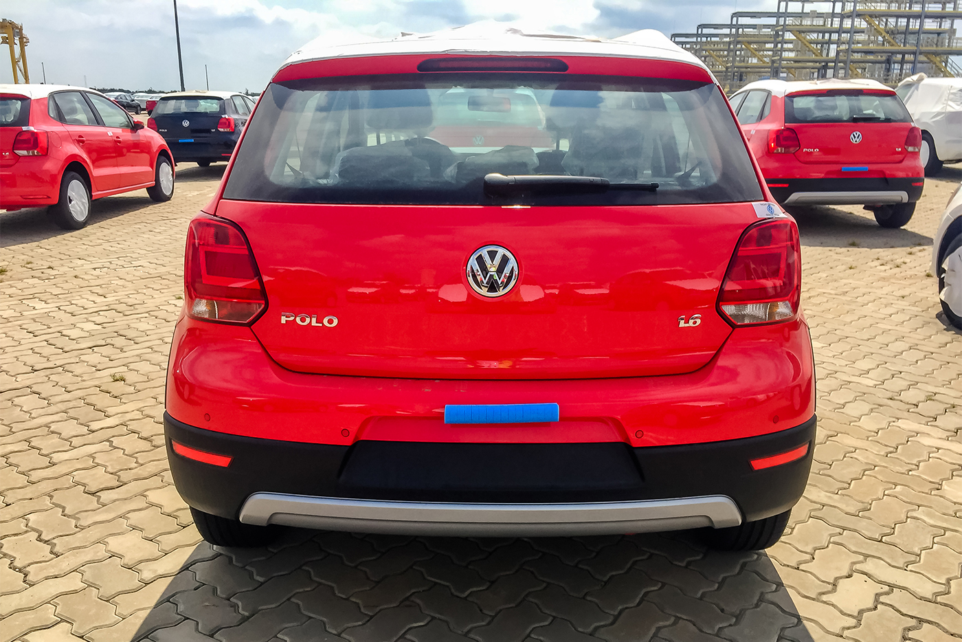 volkswagen-cross-polo-5.jpg