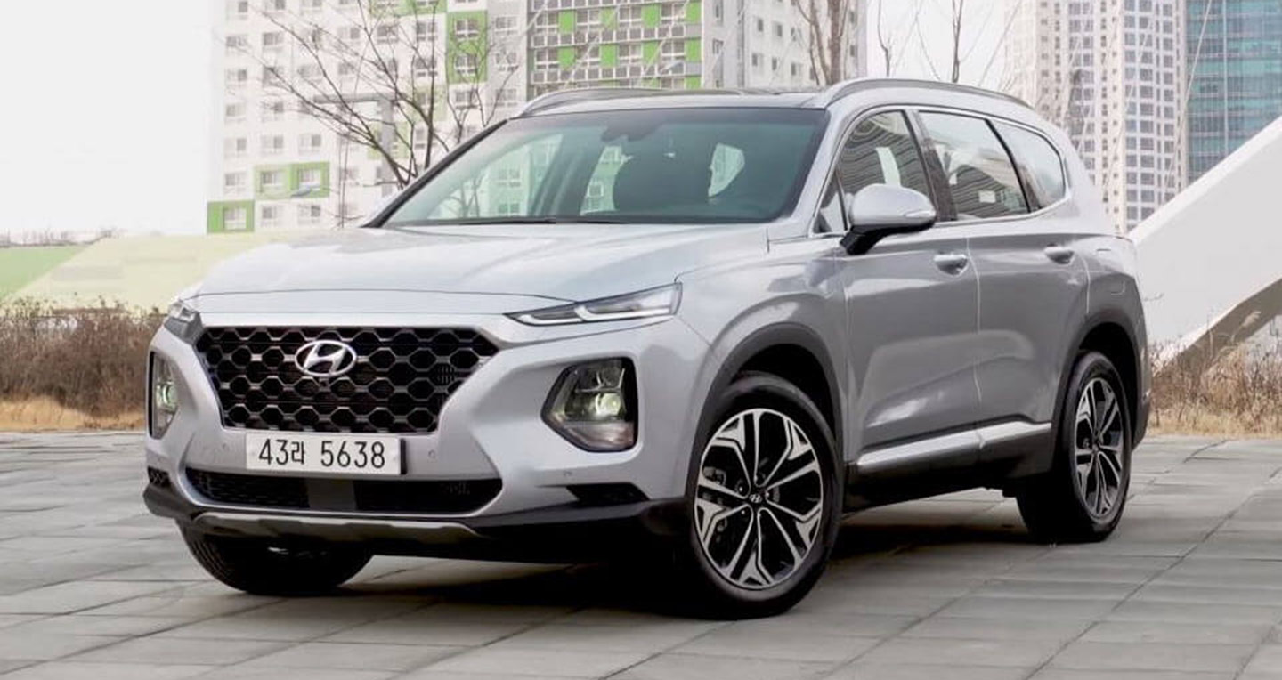 2018-hyundai-santa-fe-first-reviews.jpg