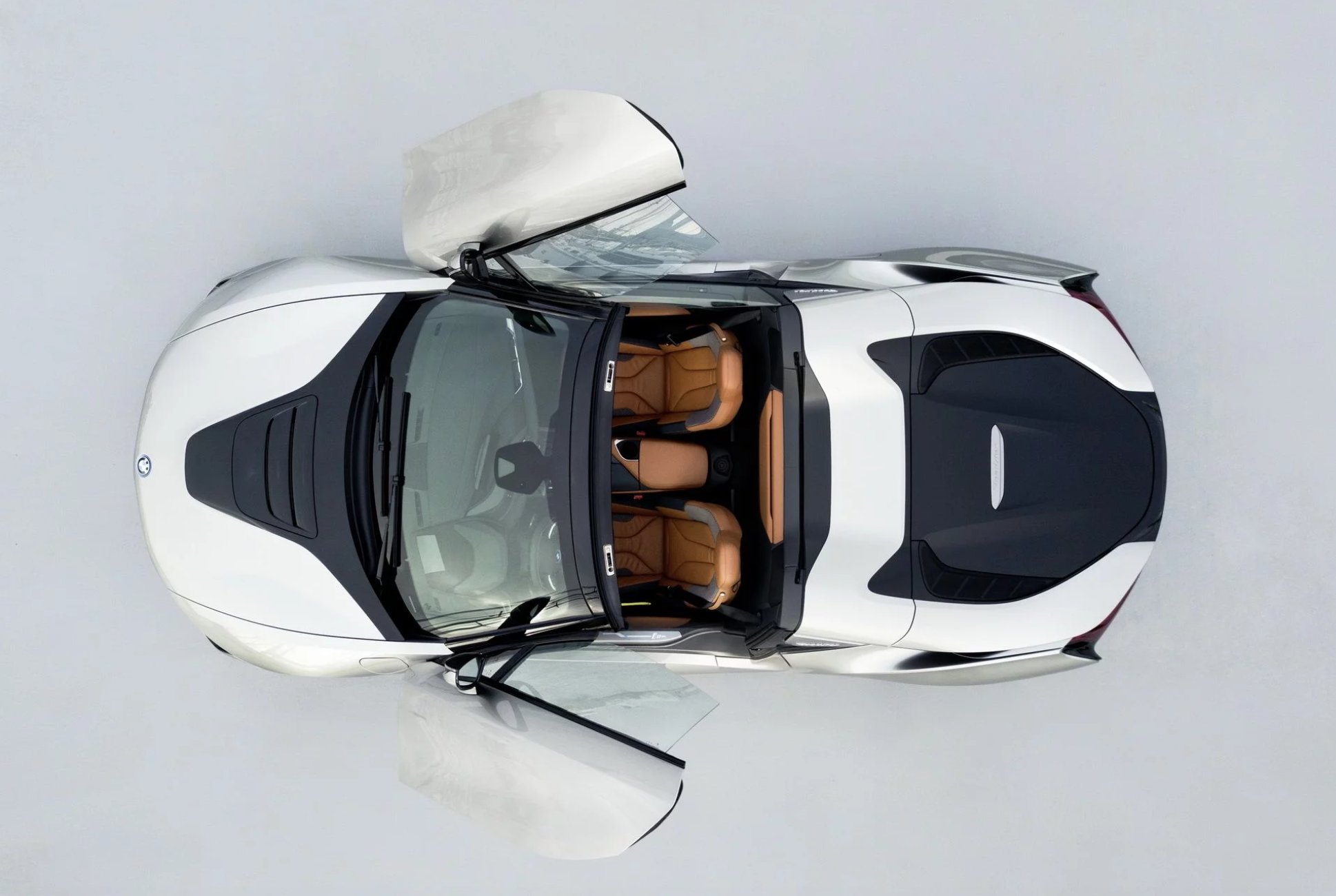 bmw-i8-roadster-01.png