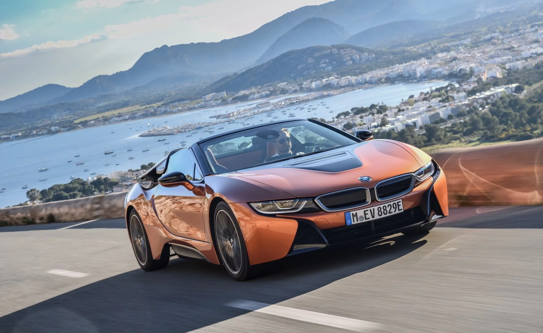 bmw-i8-roadster-010.png