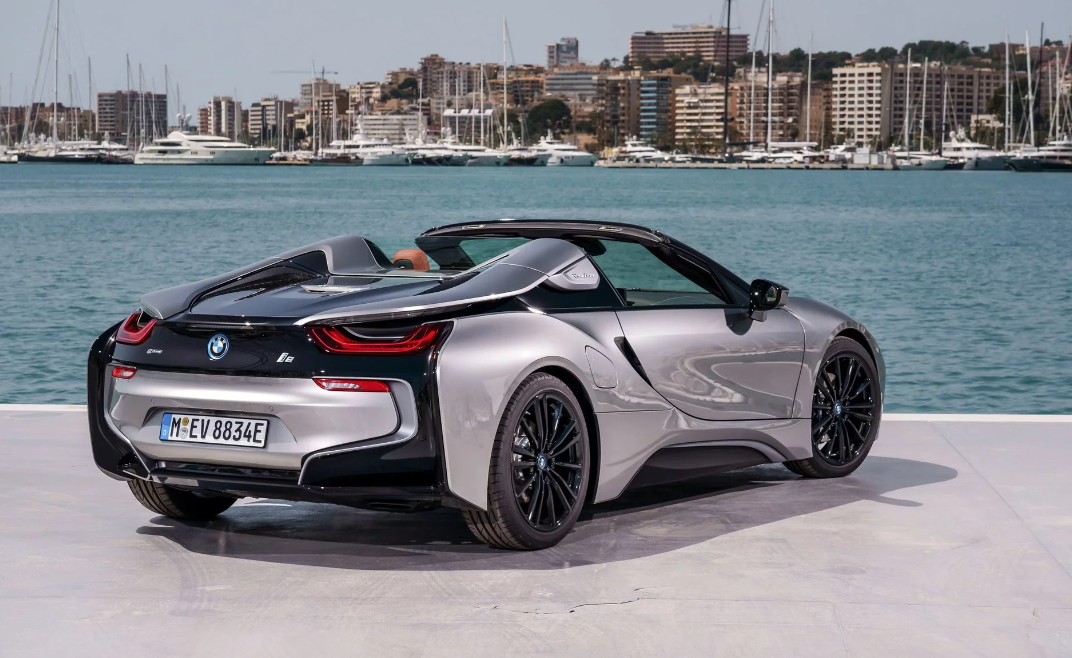 bmw-i8-roadster-018.png