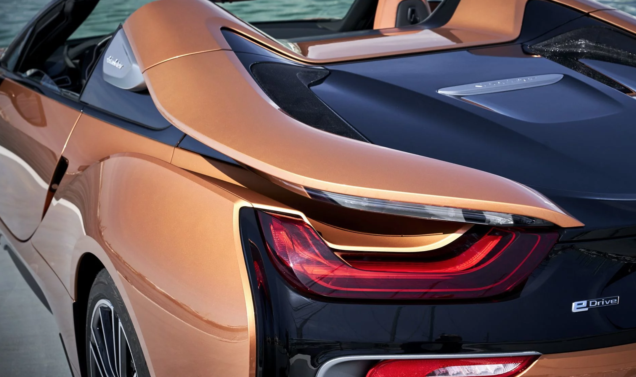 bmw-i8-roadster-08.png