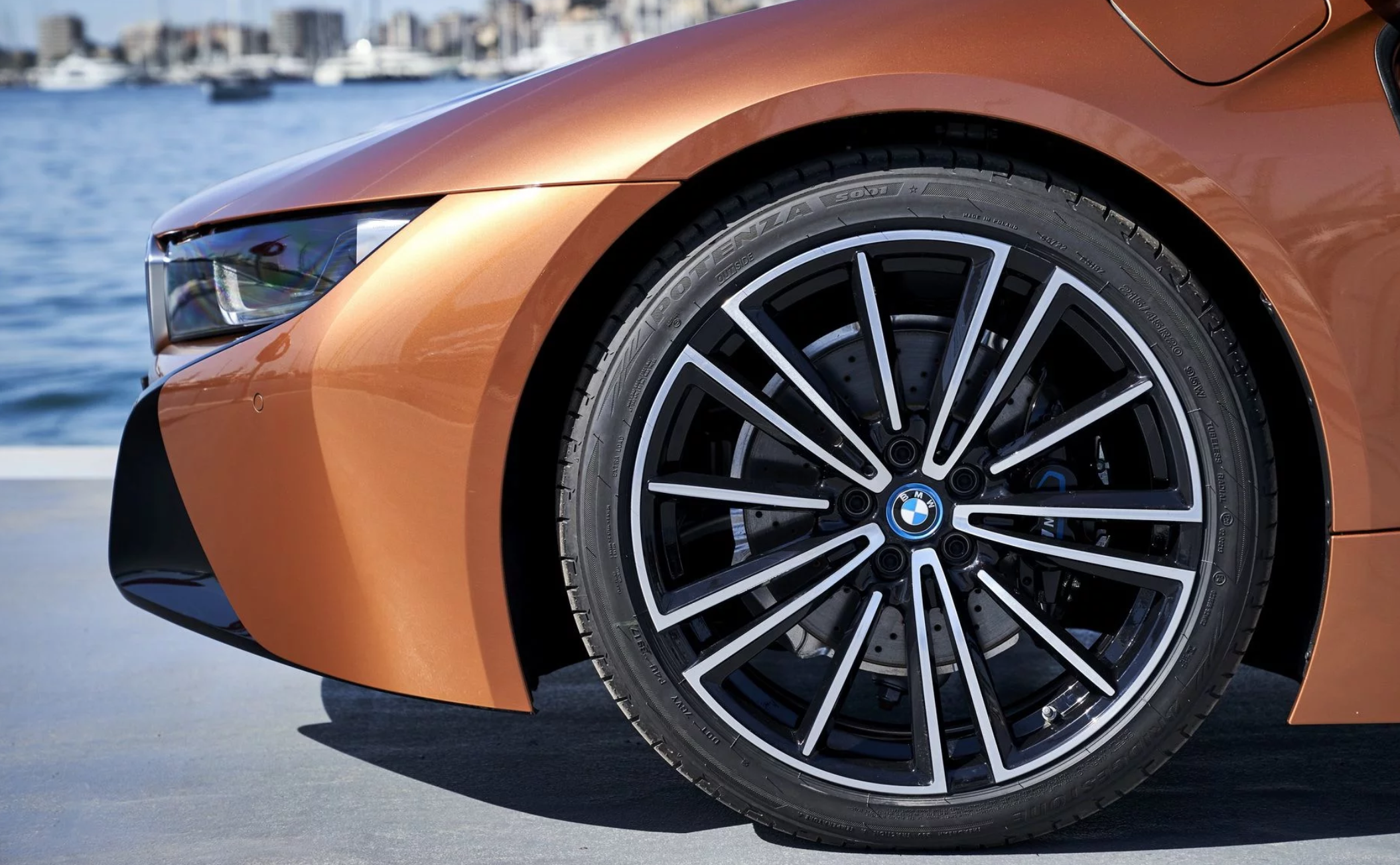 bmw-i8-roadster-09-1.png