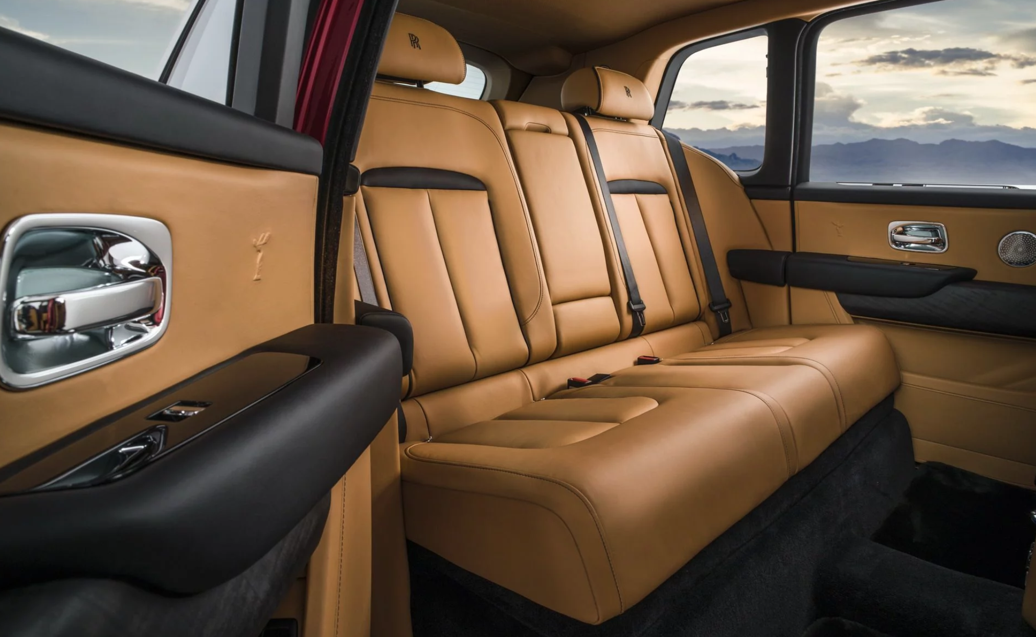 rolls-royce-cullinan-autodaily-04.png