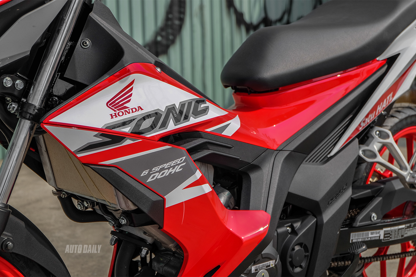 honda-sonic-150r-1.jpg
