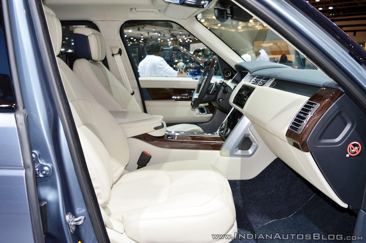 2018-range-rover-at-dubai-motor-show-2017-front-seat.jpg