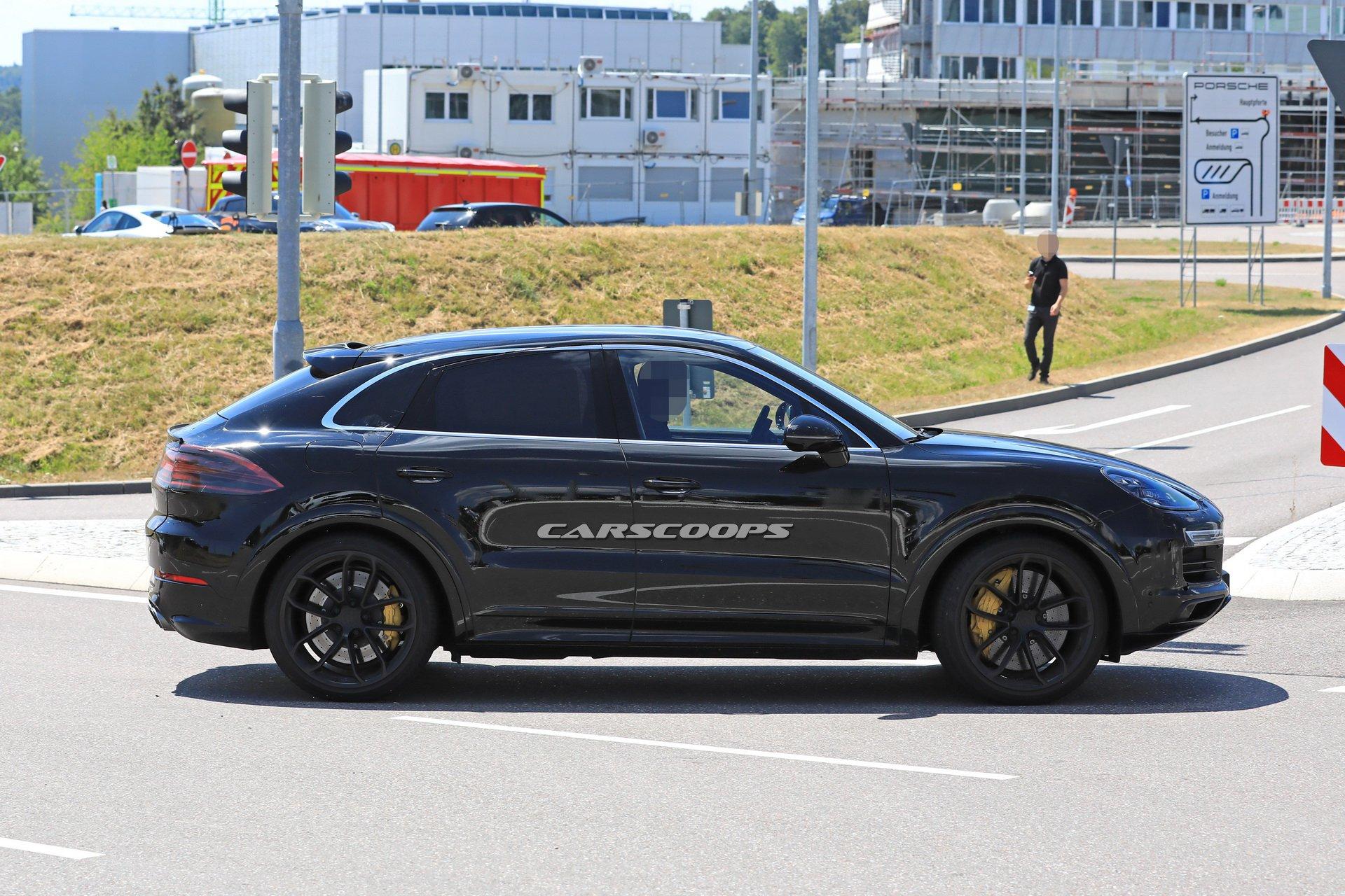 2b8eeb1e-porsche-cayenne-coupe-first-spy-13.jpg