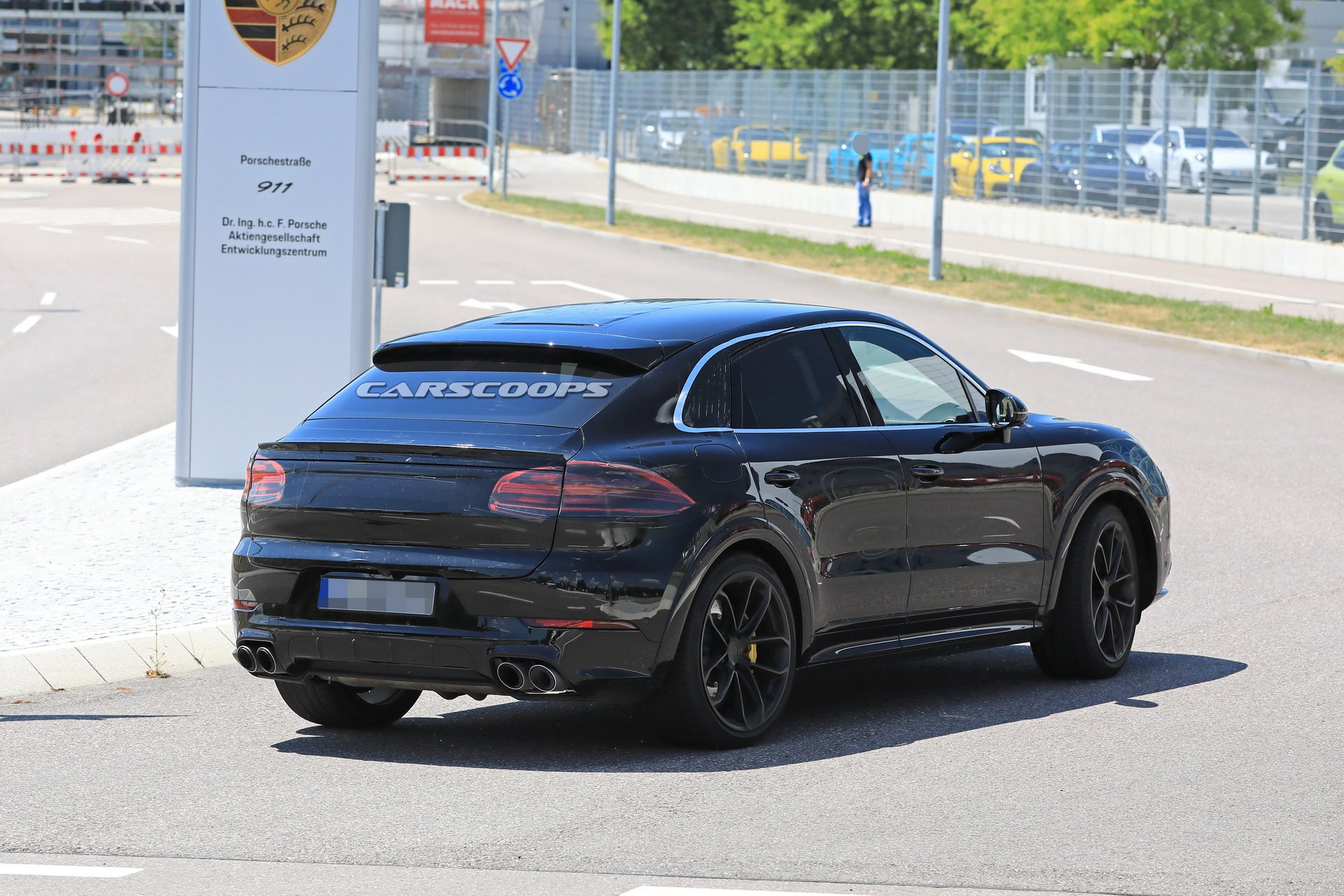 7c676ba8-porsche-cayenne-coupe-first-spy-16.jpg
