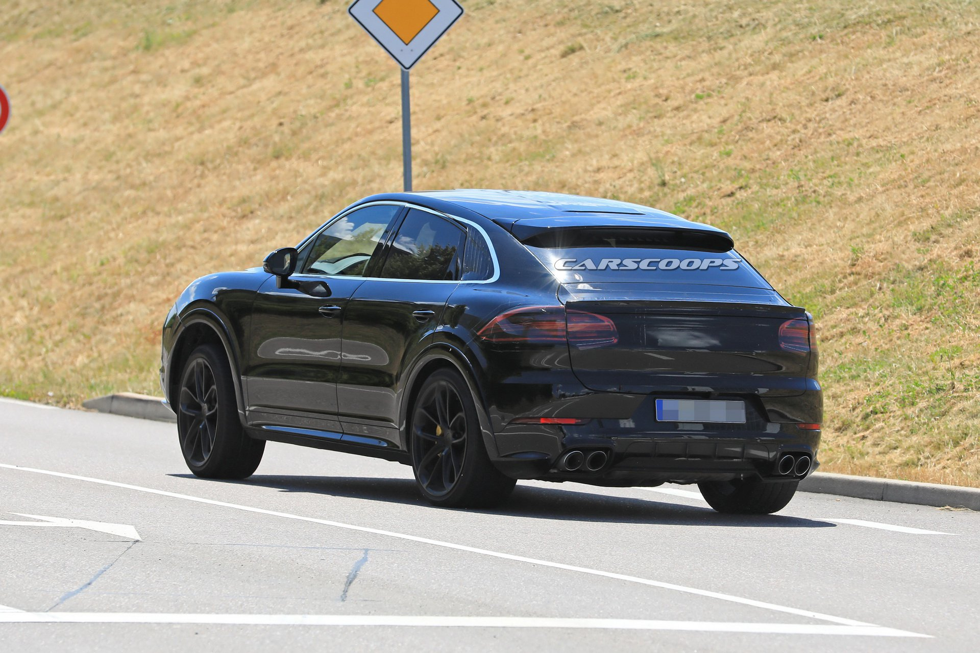 f78a930c-porsche-cayenne-coupe-first-spy-24.jpg