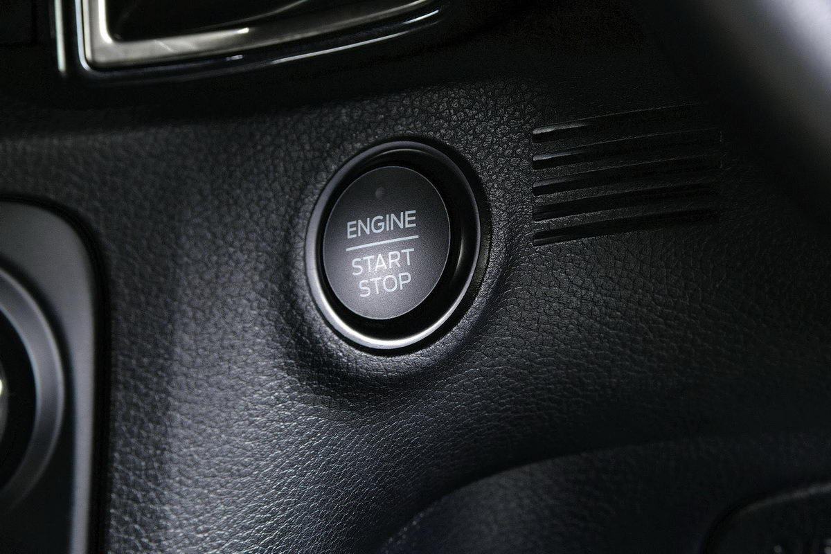 facelifted-ford-everest-facelifted-ford-endeavour-engine-start-stop-button.jpg