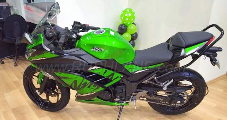 2018-kawasaki-ninja-300-1.jpg