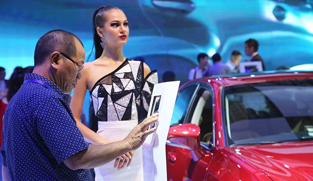 xe-nhap-giai-khat-thi-truong-o-to-viet-img-2211-1533742443-width640height371.jpg