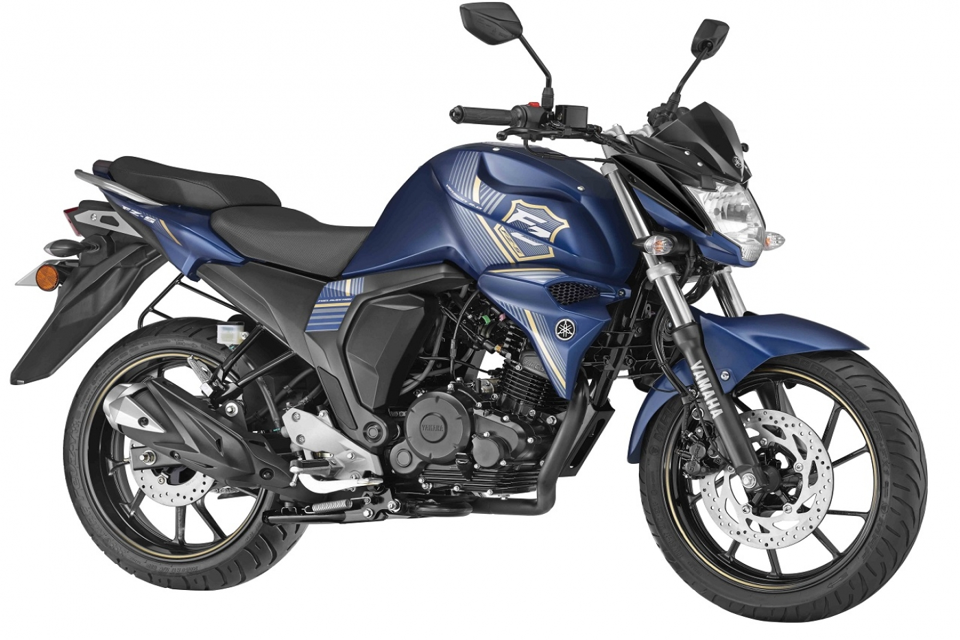 2018-yamaha-fzs-fi-press-front-right-quarter.jpg