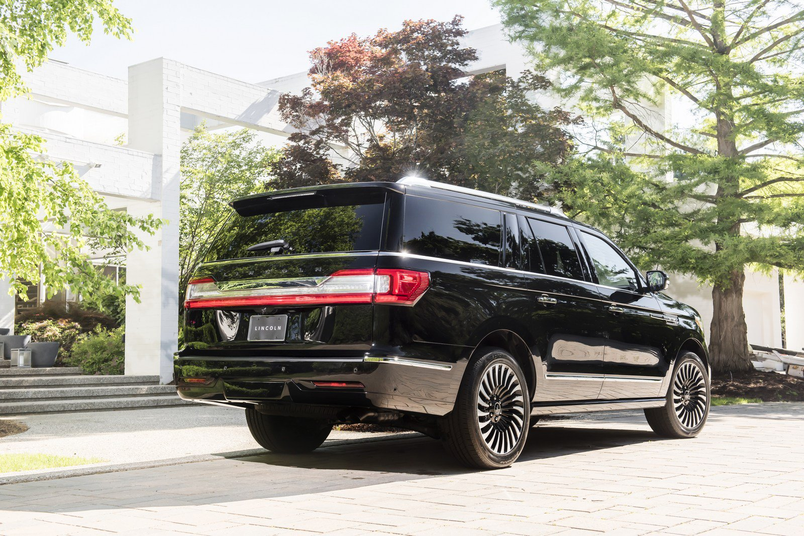 1f6f572d-lincoln-navigator-prices-2.jpg