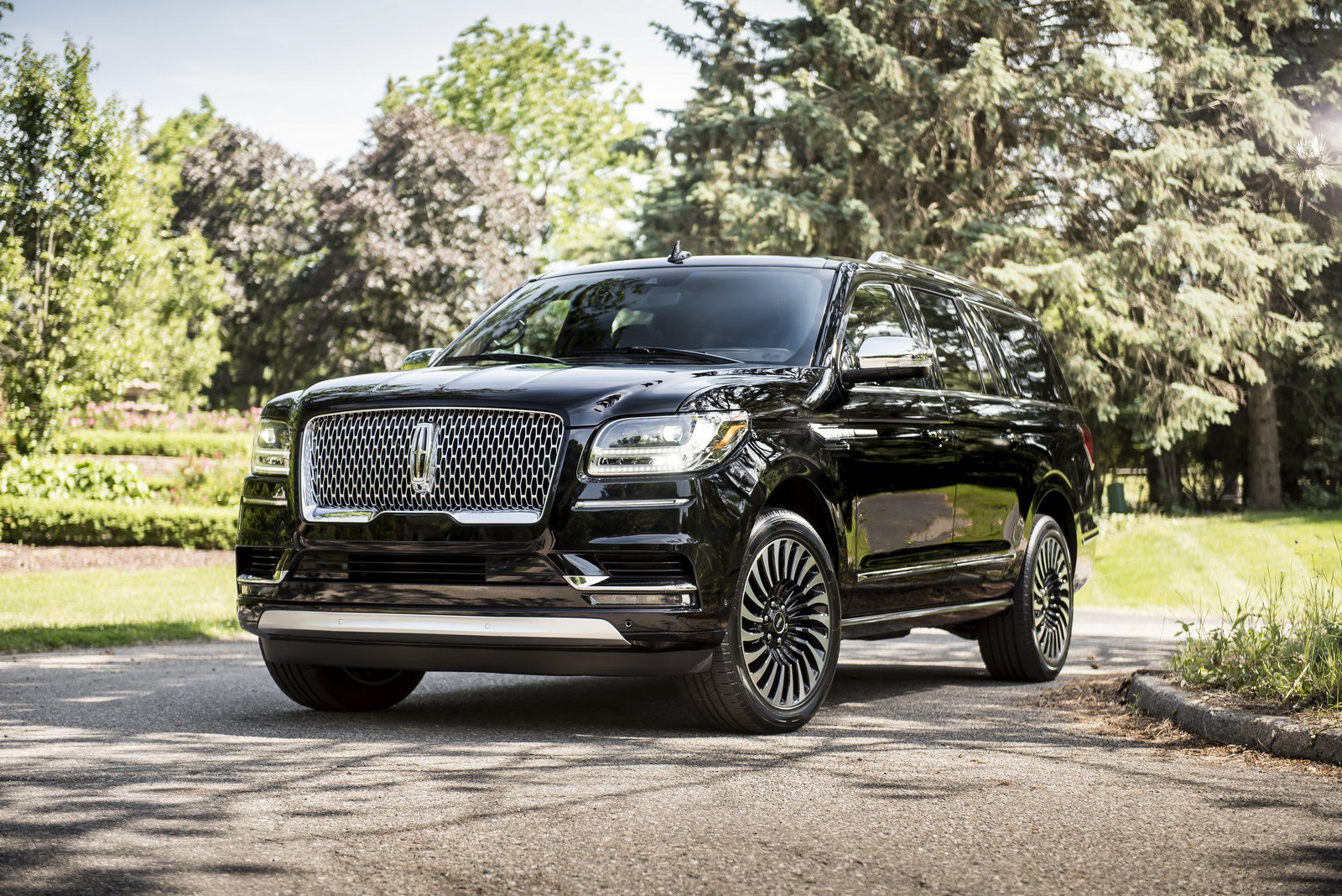 47bf6c45-lincoln-navigator-prices-1.jpg