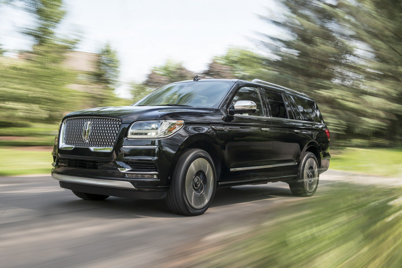 a072ddbf-lincoln-navigator-prices-3.jpg