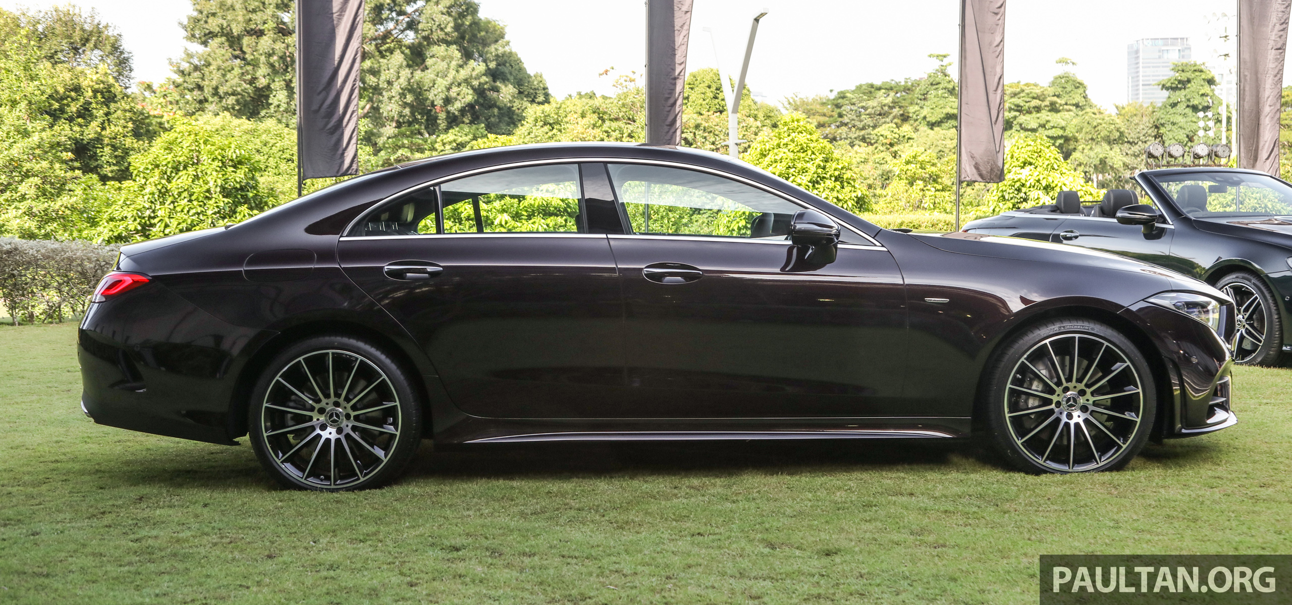 mercedes-2018-cls-450-coupe-ext-3.jpg