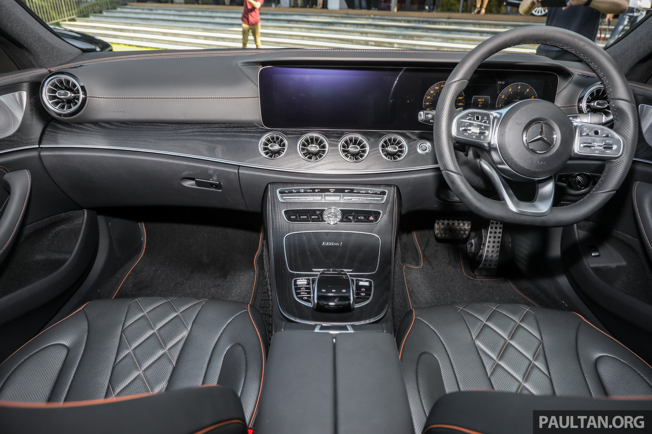 mercedes-2018-cls-450-coupe-int-1.jpg