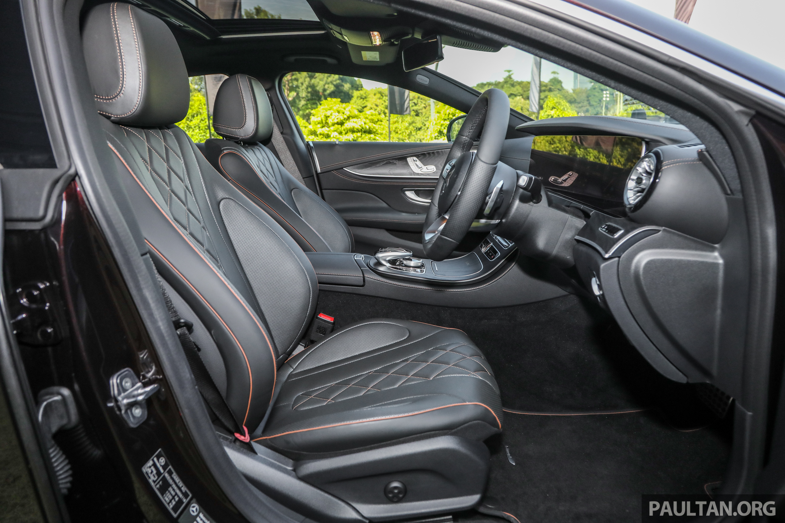 mercedes-2018-cls-450-coupe-int-19.jpg
