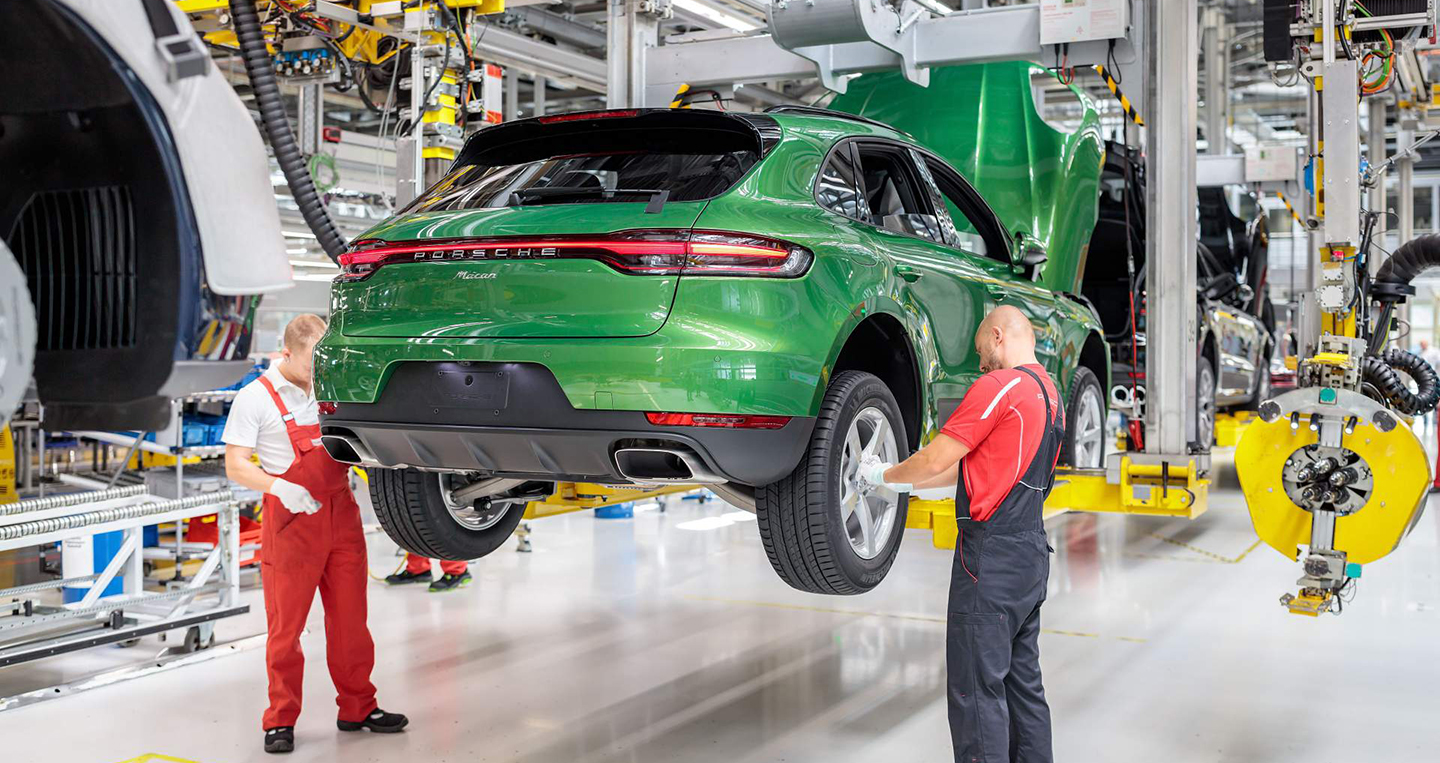 2370bc7b-2019-porsche-macan-production-4.jpg