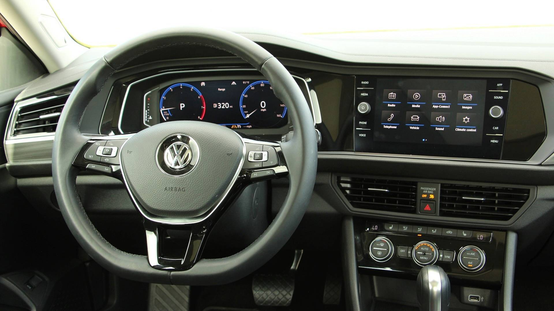 2019-volkswagen-jetta-review-13.jpg