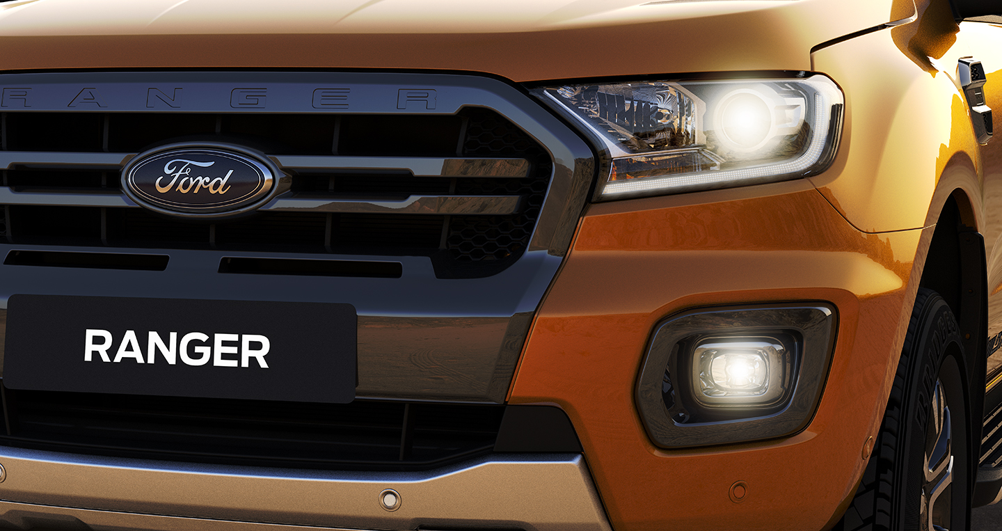 1-vn-lhd-wildtrak-dbl-saber-headlamps.jpg