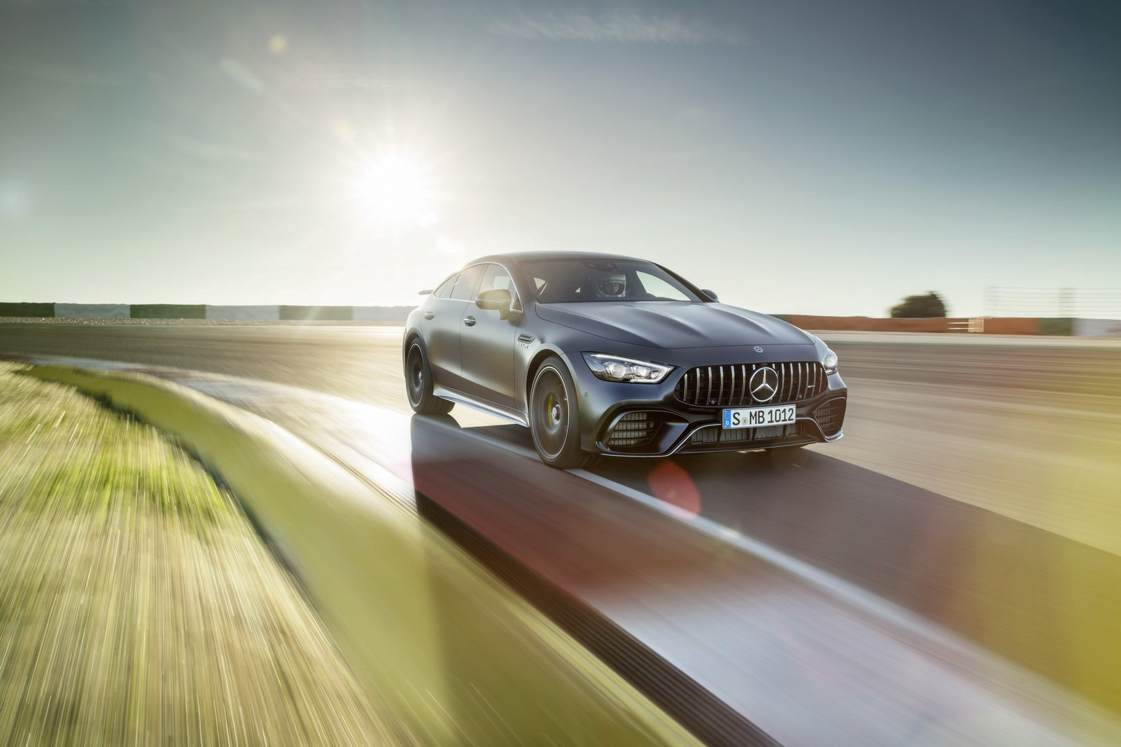 mercedes-amg-gt-4-door-coupe-lap-rap-1.jpg