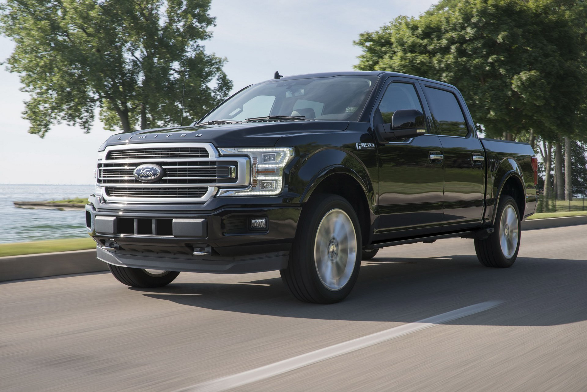 2019-ford-f150-limited-tang-gia-ban-2.jpg
