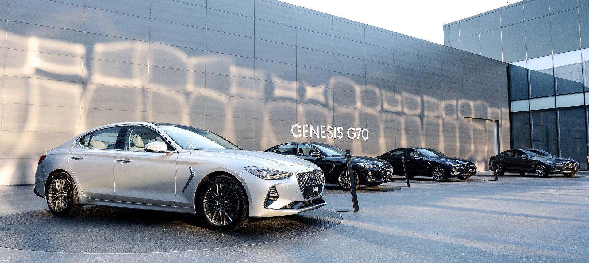 2019-genesis-g70-45-12.jpg