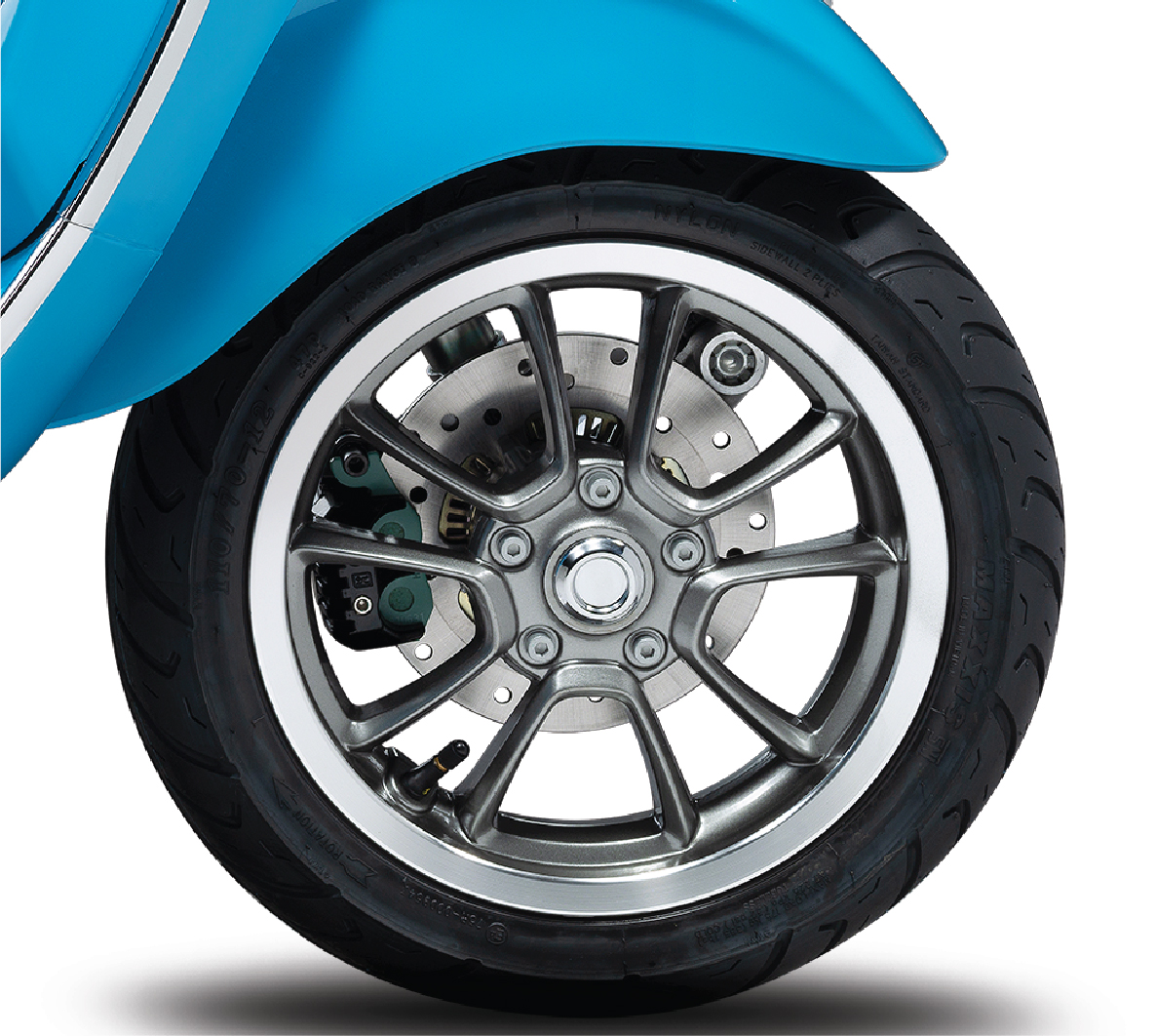detail-vespa-50th-anniversary-blue-front-wheel.jpg