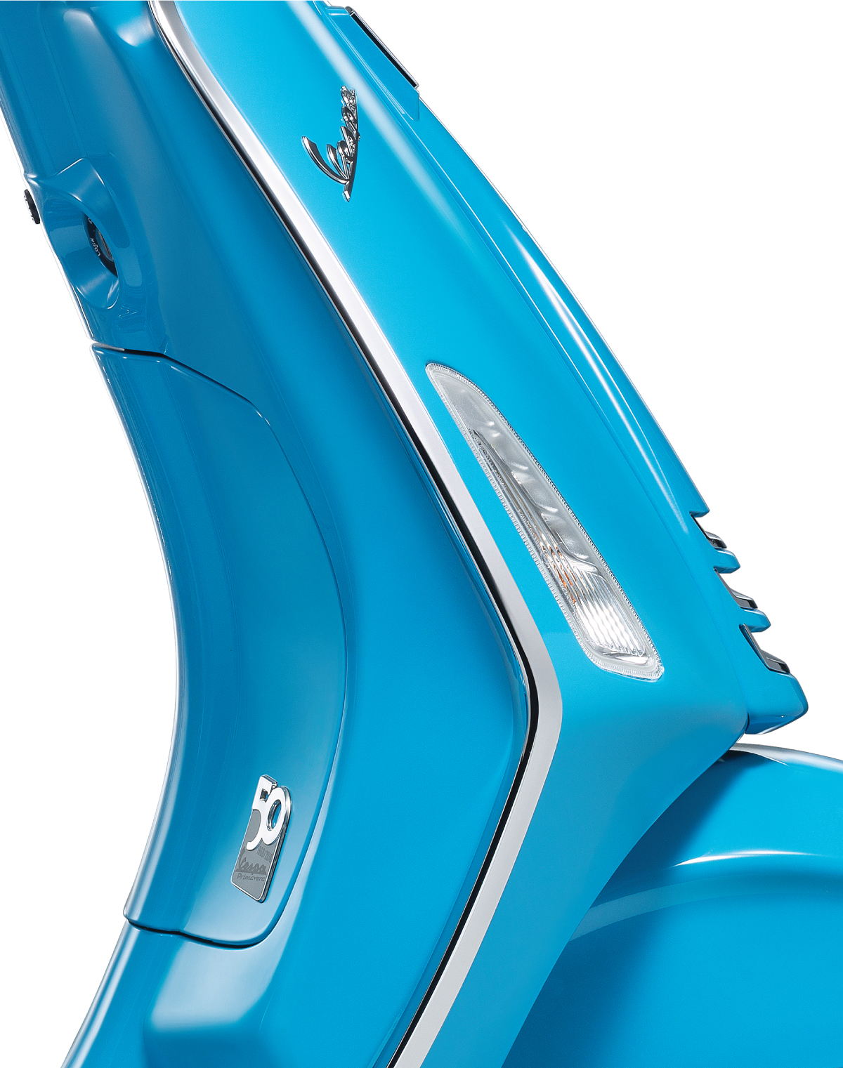 detail-vespa-50th-anniversary-blue-logo.jpg