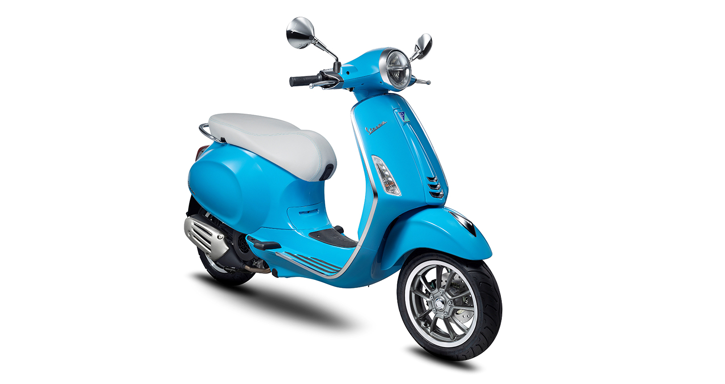 vespa-primavera-50th-anniversary-light-blue-3-4.jpg